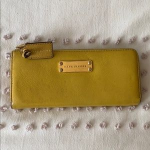 Marc Jacobs yellow wallet